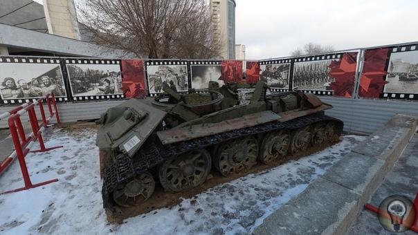 ТАНК С ОТОРВАННОЙ БАШНЕЙ В ВОЛГОГРАДЕ Прошло 75 лет со дня Великой Победы советского народа над немецко-фашистскими захватчиками. К моему великому сожалению эхо той далекой войны с каждым годом