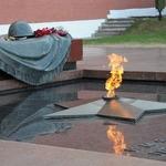 У Вечного Огня — стихи ко Дню Победы