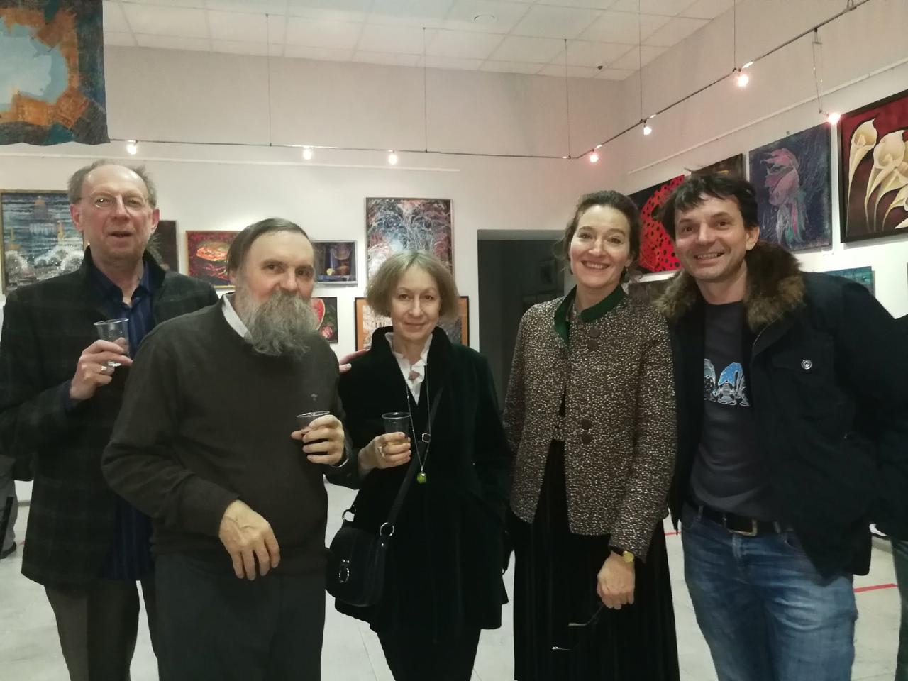 Выставка «Семь цветов радости» Елены Скиндер и семи ее учениц