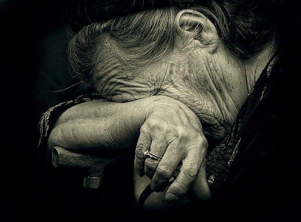 Бабушка заявила в полицию об избиении со