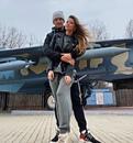 Защитник «Томи»  Иван Лапшов с женой Александрой. Вместе 4 года. Женаты 1,5 года.