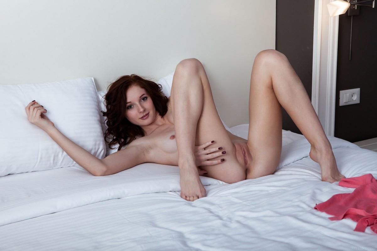 Leona Honey