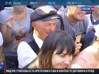 Жириновский искупался в фонтане на Манежной!!! Ржач :)))