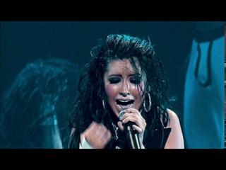 Christina Aguilera - Fighter (Stripped Live in the U.K.)