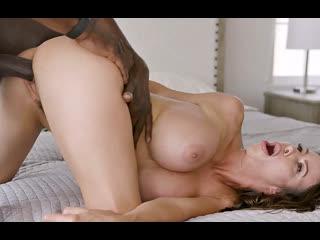 ПОРНО -- ЕЙ 43 --  ЗРЕЛАЯ МАМАША УВАЖАЕТ НЕГРА -- milf porn sex --  Alexis Fawx