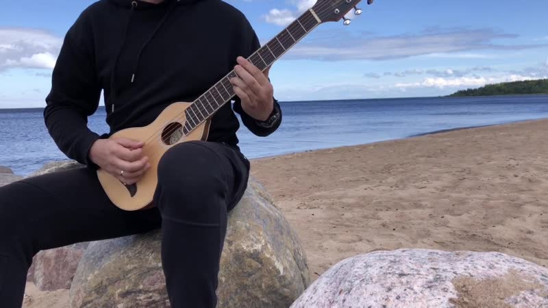 Игра на акустической Travel гитаре Washburn RO10SK
