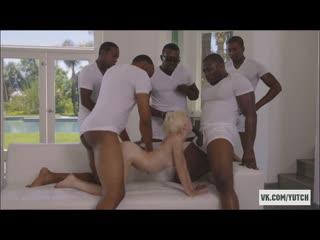 Piper Perry - A crowd of hungry blacks handle a small [sex групповое черные парни мем porno oral] casting, anal, big tits, squir